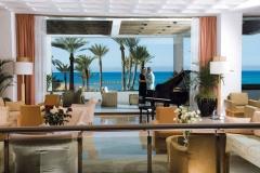 03-pioneer-beach-hotel-lobby-couple_resized
