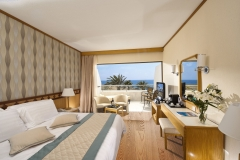 23-pioneer-beach-hotel-superior-deluxe-room-sv_resized